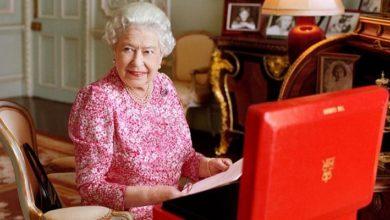 Photo of Королева провела свою еженедельную аудиенцию с премьер-министром по телефону